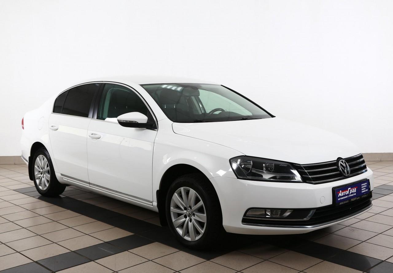 Volkswagen Passat Sedan 2010 - 2015