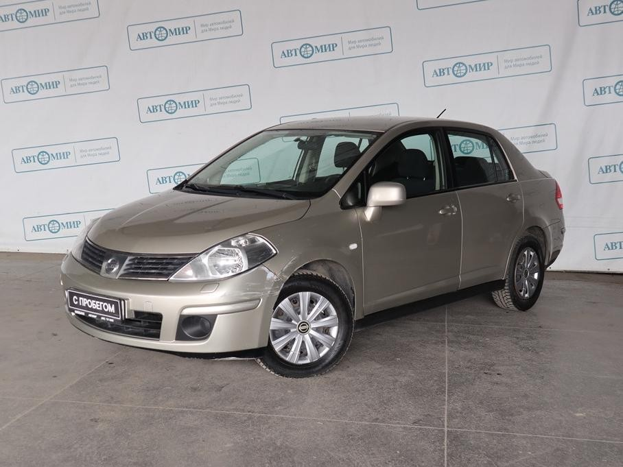 Nissan Tiida Sedan 2004 - 2012