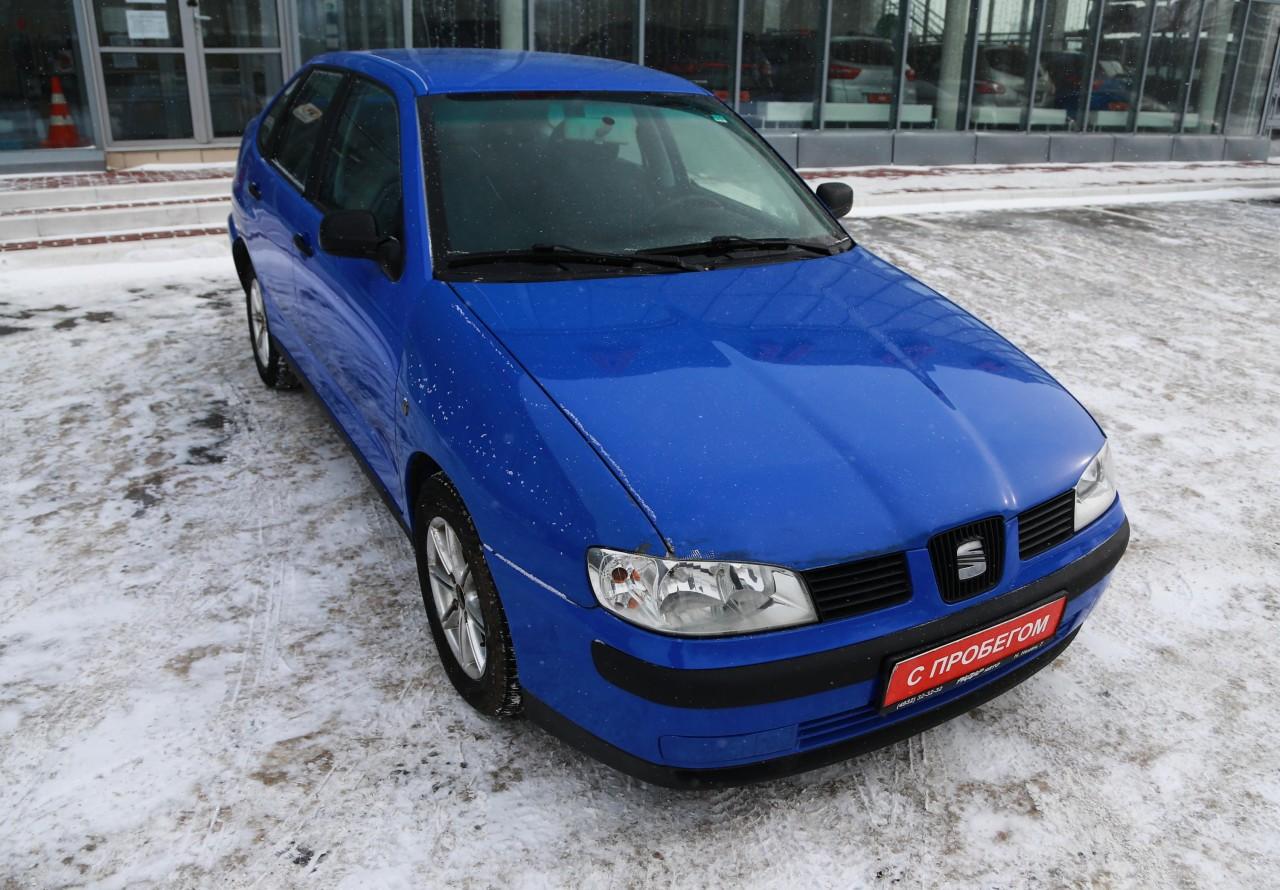SEAT Cordoba Sedan 1999 - 2003