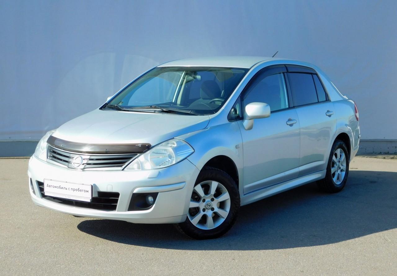 Nissan Tiida Sedan 2010 - 2013